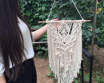 Macrame wall hanging,Hand made macrame, wall hanging,chic wall art,waeviing fiber art,hand made home decor,organic cotton,boho wall tpestry