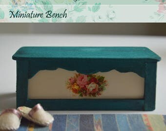 Miniature  Wooden entry bench Scale 1/12, Extraordinary indoor bench, Dollhouse bench