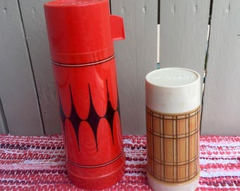Pair (2) Of Vintage Aladdin Hot Cold  Bottles Tailgate 1 qt and 1 pt Sizes Football Picnic  Glass Lining Thermos