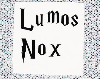 Lumos/Nox removable vinyl decals for light switch cover. Available in 4 colours. Harry Potter, wizard, Hogwarts, magic, spell, spells