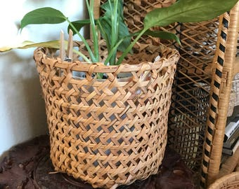 Beautiful wicker/wood planter basket