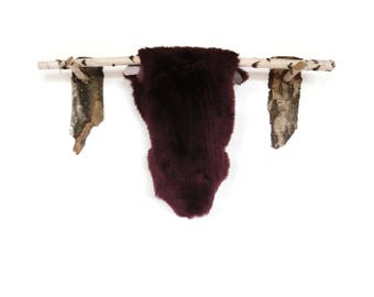 Very elegant sheepskin rug. Beautiful DYED purple color! Luxurious soft hair!!! Prime quality! About 90-100cm long!!!!