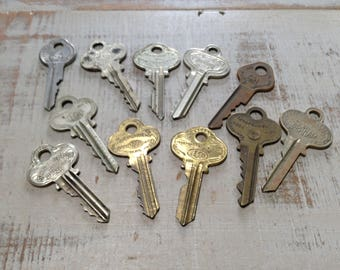 Vintage Brass Keys Steampunk Industrial Old Key Collection Salvaged Hardware Altered Art Assemblage Wedding Jewelry Making Craft Supply