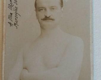 Beautiful 1902 portrait of a boxer