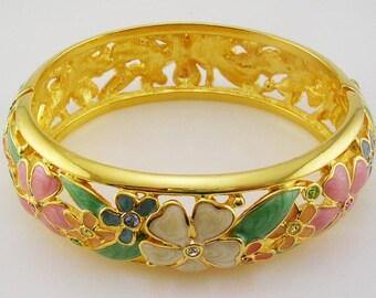 Joan Rivers  Multi Color Flower Bracelet   Average