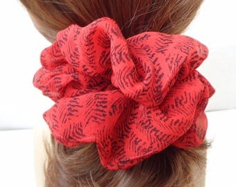 Chouchous, chouchou, chouchou, mousseline de soie rouge et noir chouchou, chouchous cheveux Chouchou, accessoires de cheveux, handomade par ScrunchiesC