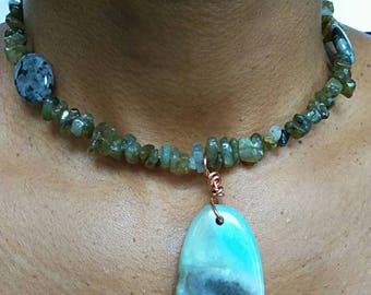Crystal labradorite necklace, natural stone, gemstone choker necklace, gemstone pendant necklace, women necklace, statement necklace, stones