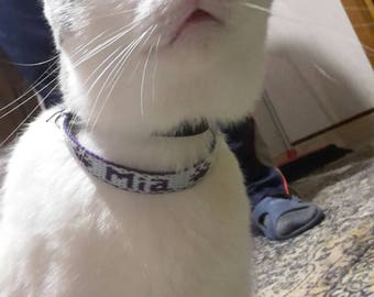 Collar for small dogs and cats