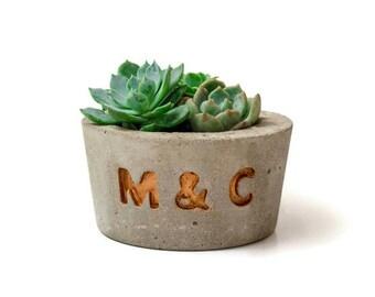 Concrete Planter with Initials, Concrete planter, Concrete pot, Gift idea, Wedding favor, Wedding planter,  Succulent Planter