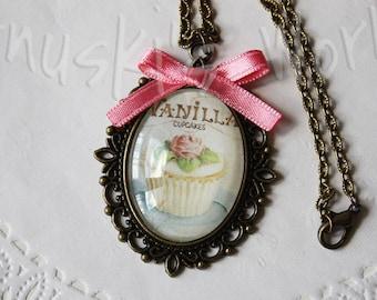 Vintage Cupcake cameo, Cameo, Vintage Cameo, cupcakes Cameo, Cupcakes, Vintage, cameo pendant, vintage Pendant