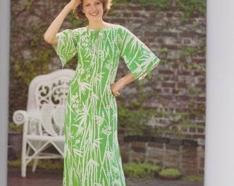 Butterick See and Sew 5836 / Misses Caftan / Size Large / 70's Vintage Sewing Pattern