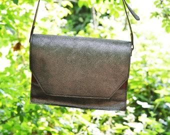 Handmade handbag in leather-reserved