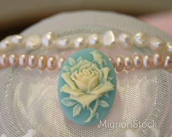 Rose - resin, blue, Beige - Cabochons
