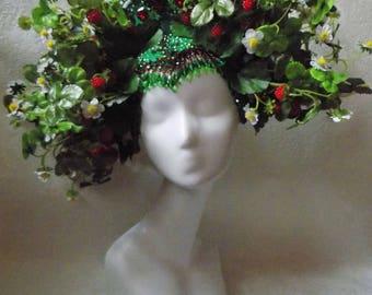 "Headdress ""Strawberries Kokoshnik"""