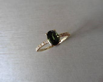 0.80ct green sapphire and diamond ring