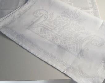 Shabby chic cream damask table runner