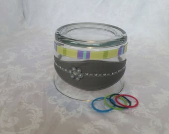 Headbands, flower pattern, ages 6-9, holds hair back, easy to use, uniquely made.