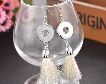 """Pair of earrings with fringes for button pressure """"Ecru"""""""