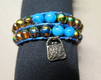TWO WRAP BRACELET TURNS IN BLUE, COPPER COLOR PEARL