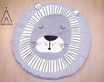 Lion design, round, play mat, nursery décor, crawling mat, baby shower gift, tummy time ,activity mat