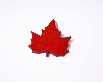 Bright red maple leaf brooch