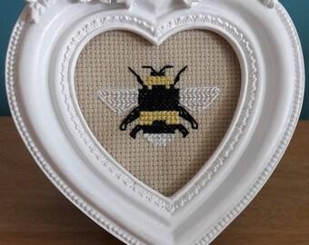 Cute bee cross stitch