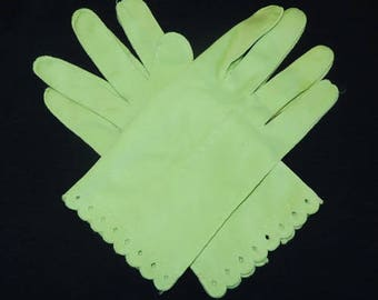 Vintage 60s Ladies Green Gloves - So Mad Men