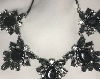Black jewel Bib Necklace