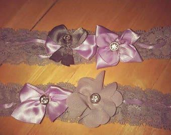 Gray and purple leg garter set