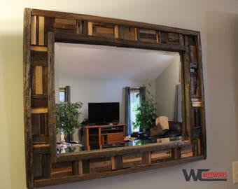 Miroir rustique etsy for Miroir bois de grange
