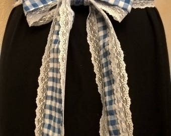Belt in blue and white gingham cotton fabric and lace
