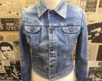 Original Vintage 1980's Women's Wrangler Denim Jacket Blue Size 6-8 FREE WORLDWIDE POSTAGE