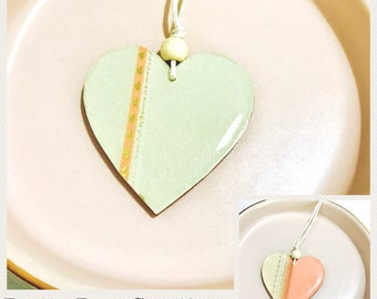 Handmade reversible two sided resin wood 50mm heart pendant necklace bead waxed cotton extremely lightweight boho simple women