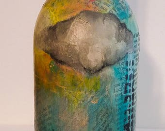 Abstract cityscape wine bottle