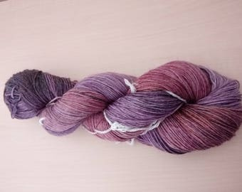 Hand-dyed wool Magnolia