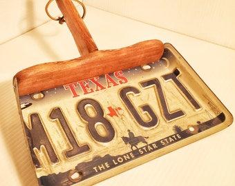 Cedar License Plate Dust Pan