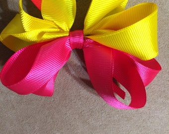 Strawberry lemonade bow