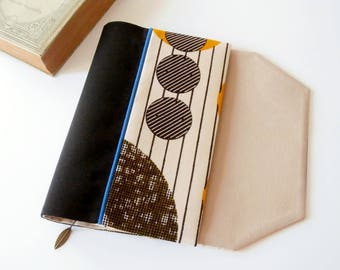 Protects-pocketbook adjustable fabric with bookmark (African fabric / light noir_blanc_beige)