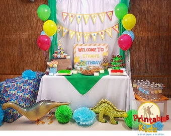 Dinosaur party decorations and printables for kids birthday party, dinosaur birthday invitations