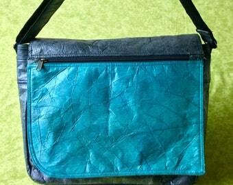 Shoulder bag or purse. Natural teak leaf product