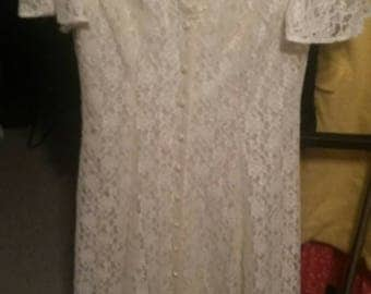 Vintage 1990s Lace Ivory Tea Wedding Dress size 11/12 by Algo