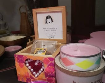 Tea box with customizable sketch