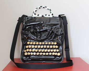 Vintage typewriter handbag by Wendy Costa/Realistic one of a kind Underwood typewriter crossbody bag/Unique handbag for the writer or artist