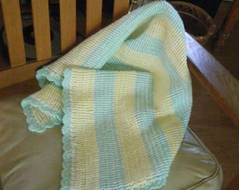 Newborn hand knit blanket