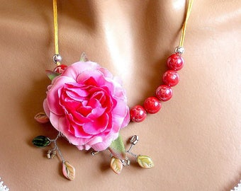 Red flower ceramic Bead Necklace in pink.