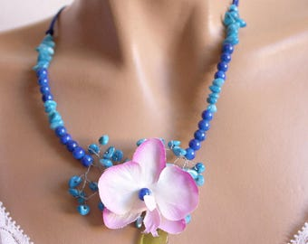 Blue ships necklace mother of Pearl flower and leaf green glass