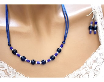 Blue and white satin and pearls jewelry set