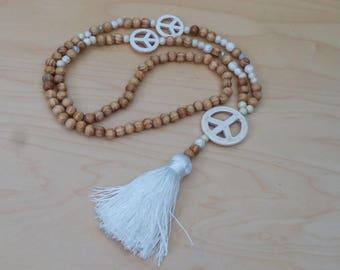 Long necklace - wood beads - Howlite - Dragon - bohostyle - Bohemian - Dreamcatcher - boho chic - Ibiza - tassel - white