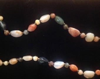 Semi precious stone necklace. Barrel clasp