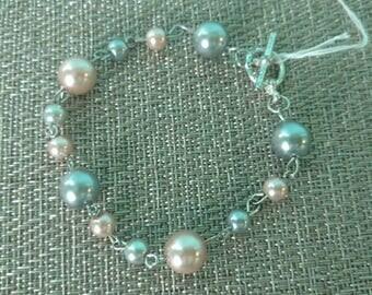 "Beautiful ""pearl"" bracelet"